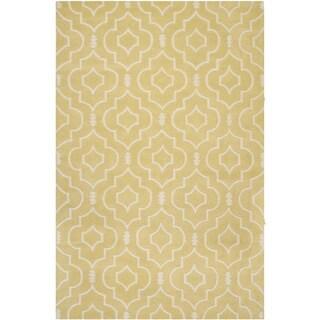 Safavieh Handmade Moroccan Chatham Light Gold/ Ivory Wool Rug (6' x 9')