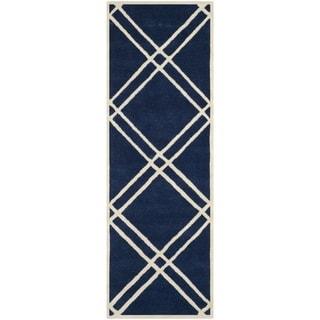 Safavieh Handmade Moroccan Chatham Crisscross-pattern Dark Blue/ Ivory Wool Rug (2'3'' x 7')