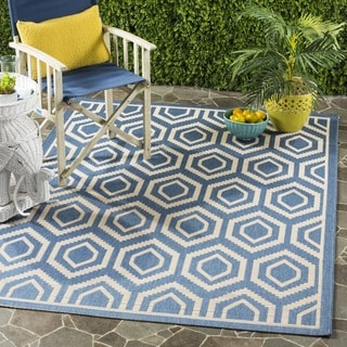 Safavieh Courtyard Honeycomb Blue/ Beige Indoor/ Outdoor Rug (7'10 Square)