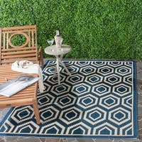"Safavieh Courtyard Honeycomb Navy/ Beige Indoor/ Outdoor Rug - 5'3"" x 7'7"""