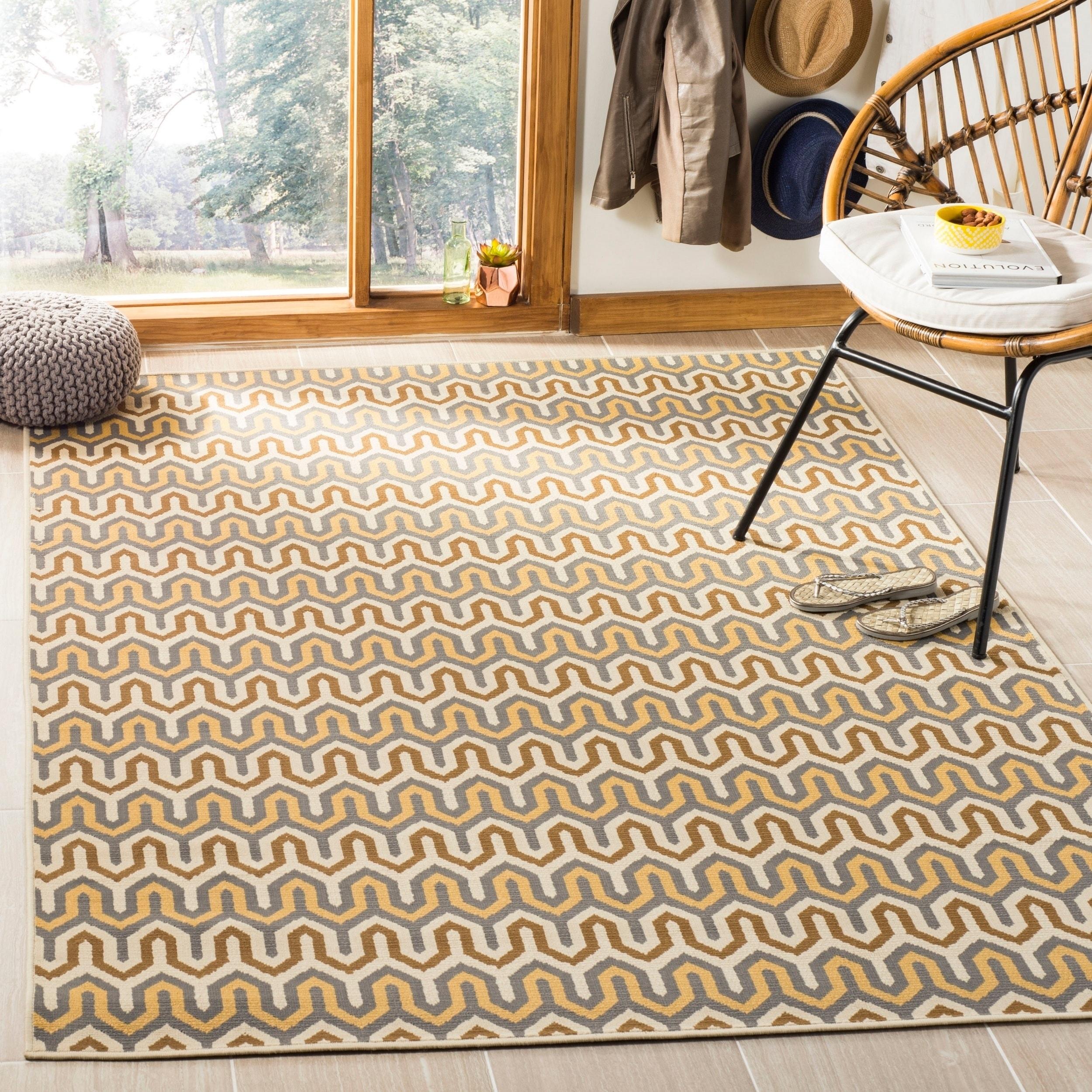Safavieh Hampton Indoor/ Outdoor Stain Resistant Brown/ C...
