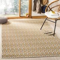 Safavieh Hampton Indoor/ Outdoor Stain Resistant Brown/ Camel Area Rug - 5'1 x 7'7