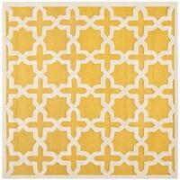 Safavieh Handmade Moroccan Cambridge Gold/ Ivory Wool Rug - 4' x 4' Square