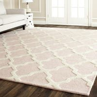 Safavieh Handmade Moroccan Cambridge Light Pink/ Ivory Wool Rug - 11' x 15'