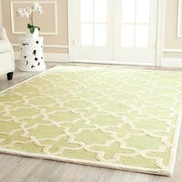 Safavieh Handmade Moroccan Cambridge Light Green/ Ivory Wool Rug - 10' x 14'