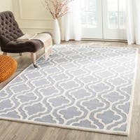 Safavieh Handmade Moroccan Cambridge Silver/ Ivory Wool Rug - 8' Square