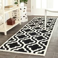 "Safavieh Handmade Moroccan Cambridge Black/ Ivory Wool Rug - 2'6"" x 6'"