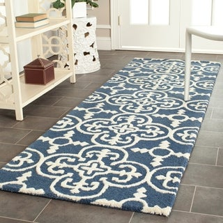 "Safavieh Handmade Moroccan Cambridge Navy/ Ivory Wool Rug - 2'6"" x 6'"