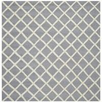 Safavieh Handmade Moroccan Cambridge Silver/ Ivory Wool Rug - 4' Square