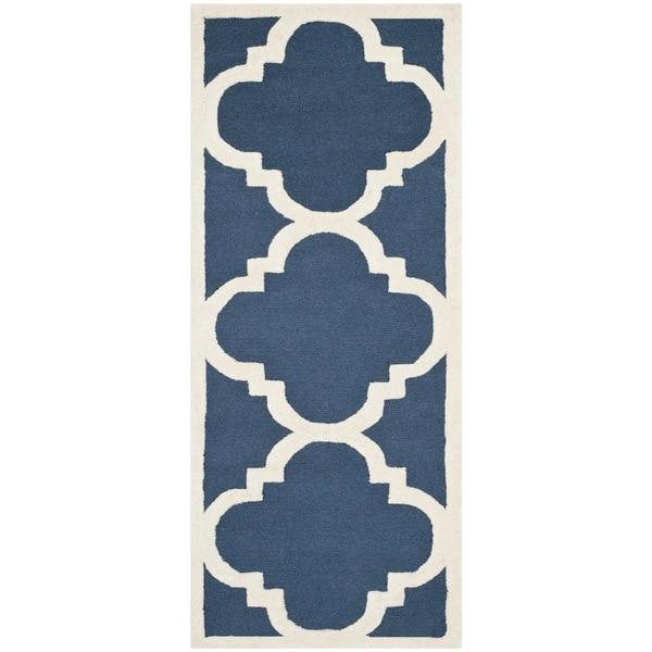 Safavieh Handmade Moroccan Cambridge Navy/ Ivory Wool Rug - 2'6 x 22'