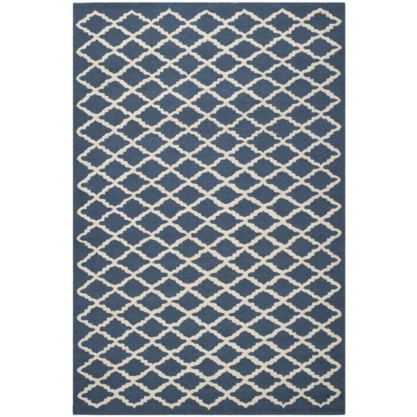 Safavieh Handmade Moroccan Cambridge Navy/ Ivory Small Diamonds Wool Rug (5' x 8')