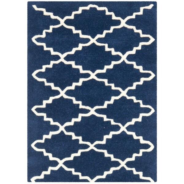 Safavieh Handmade Moroccan Chatham Geometric-pattern Dark Blue/ Ivory Wool Rug - 2'3' x 5'
