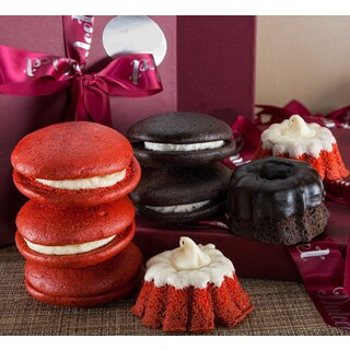 Chocolate Mini Bundt/ Red Velvet Whoopie Pie Bakery Gift Box