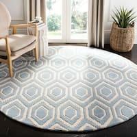 Safavieh Handmade Moroccan Chatham Blue/ Ivory Wool Rug - 6' Round