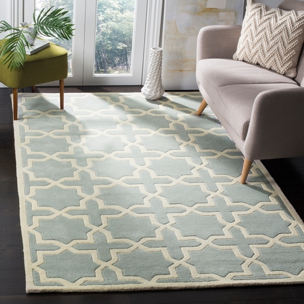 Safavieh Handmade Moroccan Chatham Contemporary Gray/ Ivory Wool Rug - 10' x 14'