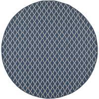 Safavieh Indoor/ Outdoor Courtyard Trellis Pattern Navy/ Beige Rug - 7'10 Round