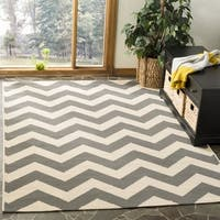 Safavieh Courtyard Chevron Grey/ Beige Indoor/ Outdoor Rug - 4' Square