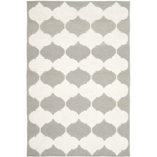 Safavieh Hand-woven Moroccan Reversible Dhurrie Grey/ Ivory Wool/ Banana Silk Rug (4' x 6')