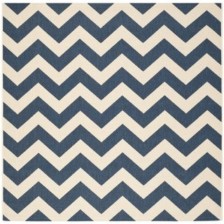 Safavieh Courtyard Chevron Navy/ Beige Indoor/ Outdoor Rug (5u00273 Square)