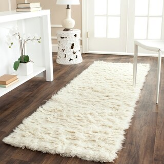 Safavieh Handmade Flokati Ivory Wool Rug (2'3 x 9')