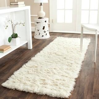 Safavieh Handmade Flokati Ivory Wool Rug (2'3 x 9') - 2'3 x 9'