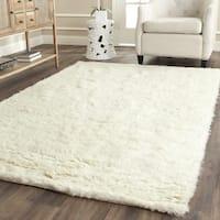 Safavieh Handmade Flokati Ivory Wool Rug - 4' Square