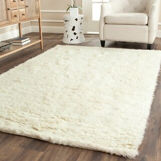 Safavieh Handmade Flokati Ivory Wool Rug (6' x 9')