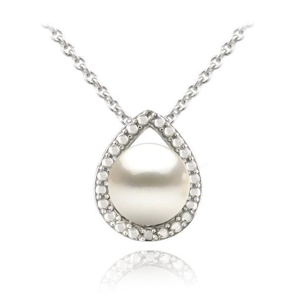 Glitzy Rocks Sterling Silver Freshwater Pearl Teardrop Necklace (8-9 mm)