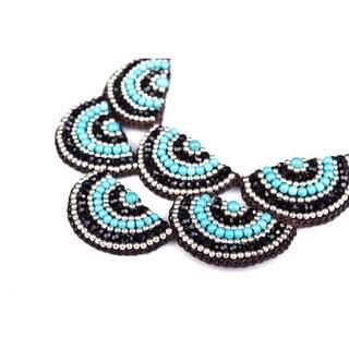Thai-handicraft Elegant Stone and Crystal Necklace (Thailand)