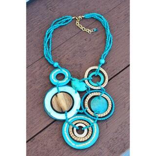 Thai-handicraft Seashell Coconut Wood Necklace (Thailand)