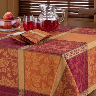 Attractive Bardwil Montvale Woven Jacquard Tablecloth