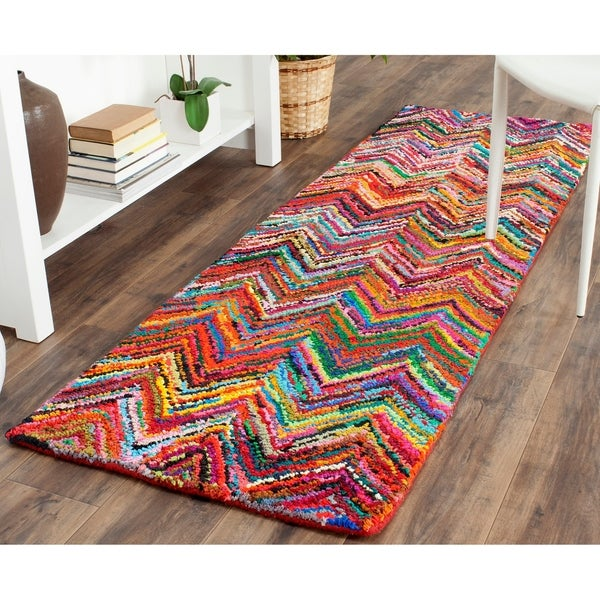 Chevron Kitchen Rug: Shop Safavieh Handmade Nantucket Abstract Chevron Pink