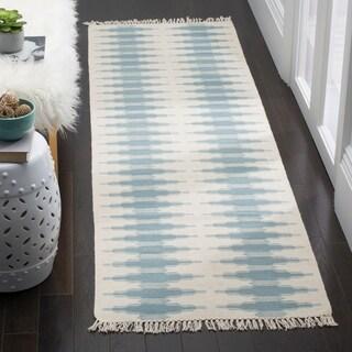 Safavieh Hand-woven Southwestern Kilim Ivory/ Blue Wool Rug (2'3 x 6')