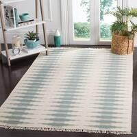 Safavieh Hand-woven Kilim Ivory/ Blue Wool Rug - 5' x 8'