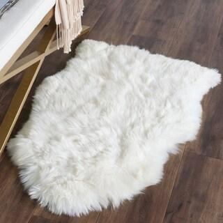 Safavieh Hand-woven Sheepskin Pelt White Shag Rug (2' x 4')