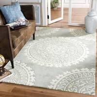 Safavieh Handmade Bella Grey/ Ivory Wool Rug - 5' Square