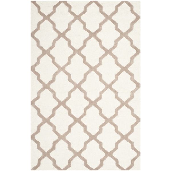 Safavieh Handmade Moroccan Cambridge Ivory/ Beige Wool Rug - 10' x 14'
