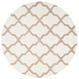 Safavieh Handmade Moroccan Cambridge Ivory/ Beige Wool Rug (4' Round)