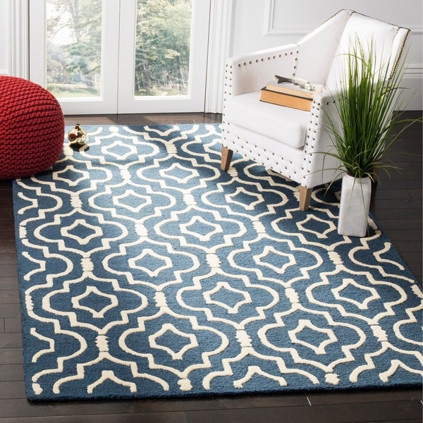 Safavieh Handmade Moroccan Cambridge Navy/ Ivory Wool Rug with Hi/ Lo Construction - 9' x 12'