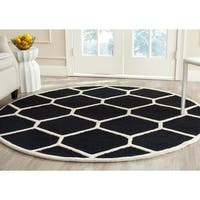 Safavieh Handmade Moroccan Cambridge Black/ Ivory Wool Area Rug - 6' Round