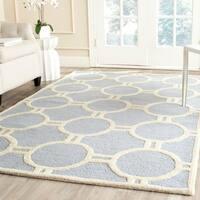Safavieh Handmade Moroccan Cambridge Circles-pattern Light Blue/ Ivory Wool Rug - 4' x 6'