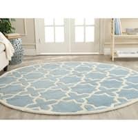 Safavieh Handmade Moroccan Chatham Blue/ Ivory Wool Rug - 7' Round