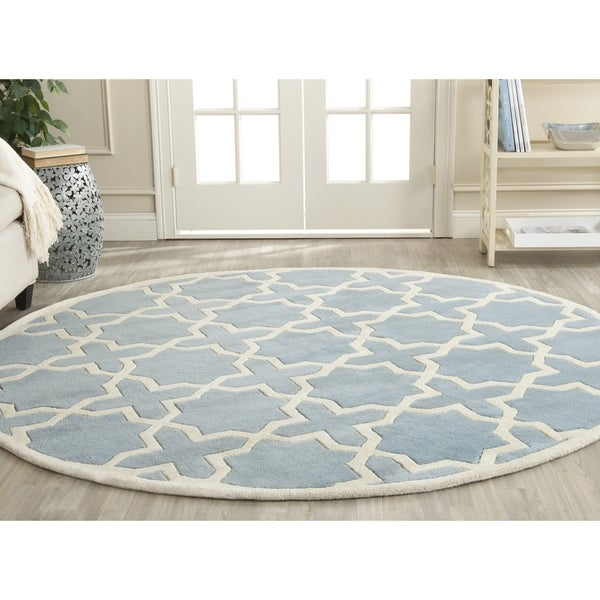Dog Eating Wool Rug: Safavieh Handmade Moroccan Chatham Blue/ Ivory Wool Rug