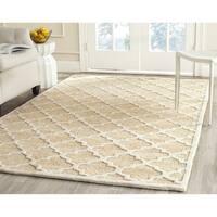 Safavieh Handmade Precious Beige Polyester/ Wool Rug - 5' Square