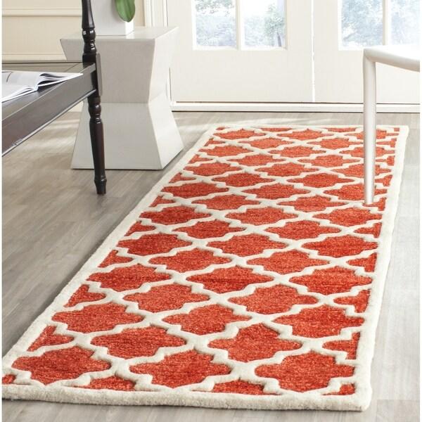 Safavieh Handmade Precious Rose Polyester/ Wool Rug (2'6 x 8') - 2'6 x 8'