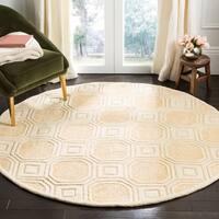 Safavieh Handmade Precious Beige Polyester/ Wool Rug - 6' Round