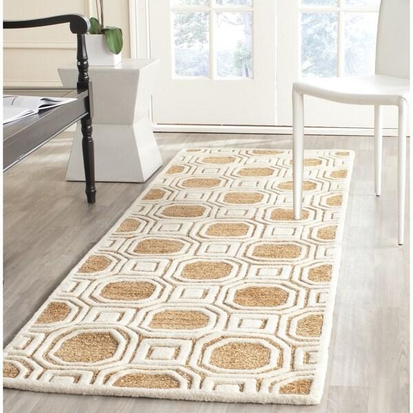 Safavieh Handmade Precious Camel Polyester/ Wool Runner Rug - 2'6 x 8'