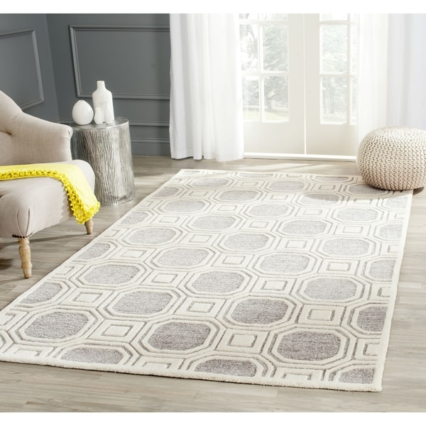 Safavieh Handmade Precious Silver Polyester/ Wool Rug - 8' x 10'