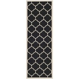 """Safavieh Courtyard Moroccan Pattern Black/ Beige Indoor/ Outdoor Rug (2'3"""" x 10')"""