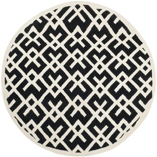 Safavieh Handwoven Moroccan Reversible Dhurrie Black/ Ivory Geometric-patterned Wool Rug (6' Round)